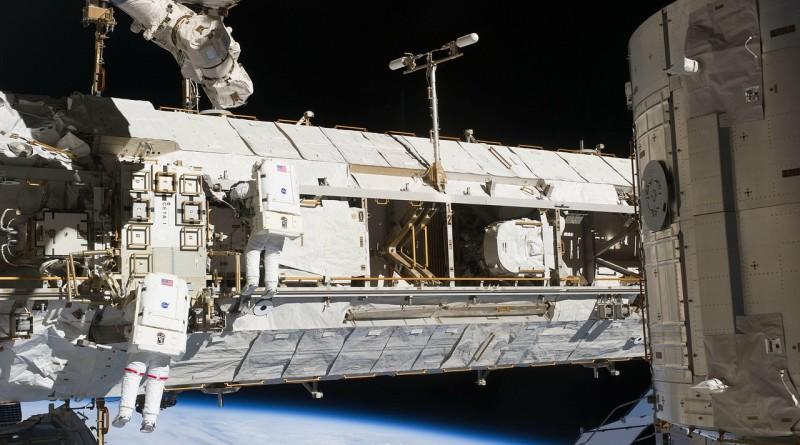 international-space-station-975_1280