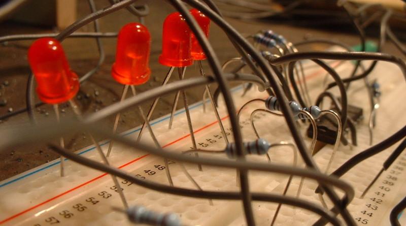 electronic-1456843-1280x960(1)