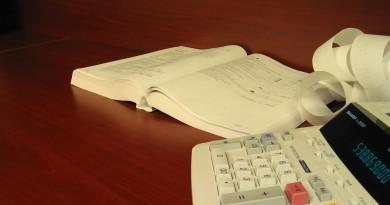 accounting-calculator-tax-return-taxes-1241517-1600x1200