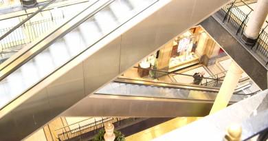 shopping-center-amsterdam-1488563