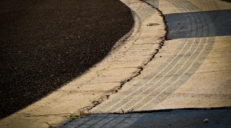 racetrack-794590_1920