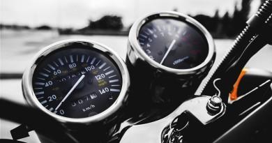motorbike-1839003_1920
