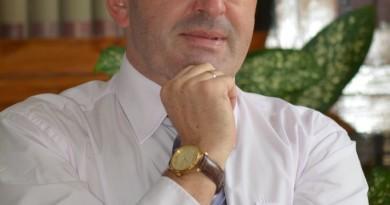 prof. dr hab. Janusz Igras - dyrektor instytutu