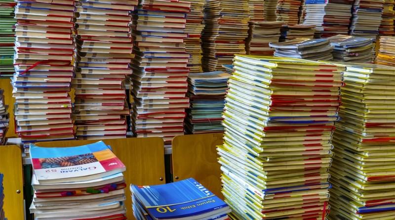 books-2547179_960_720