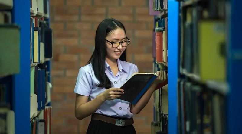 academic-1822683_960_720